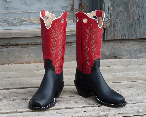 Women's 7 C - Black Pebble Oiltan with Red Calf Skin Tops