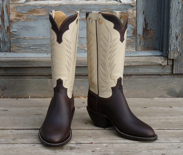 Men's 12 D - Dark Brown Oiltan with Bone Water BuffaloTops