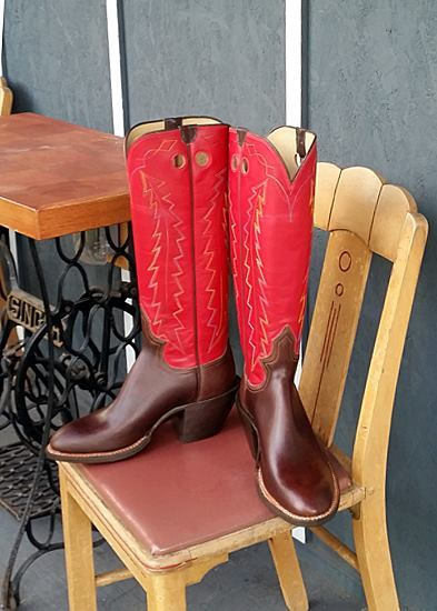 Men's 9 D  - Walnut Chrome Excel with Red Calfskin Tops