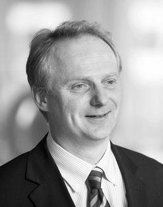 JOHN THOMAS SØRHAUG // PARTNER  OG LEDER KPMGs BRANSJESATSNING MOT TRANSPORT - OG BILINDISUTRIEN